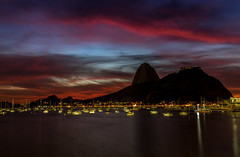 Sunrise in Rio de Janeiro (mariohowat) Tags: sunrise alvorada amanhecer natureza riodejaneiro brasil brazil canon6d canon praiasdoriodejaneiro praiadebotafogo enseadadebotafogo longaexposição noturnas
