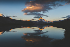 le miroir (JimiaS) Tags: lever de soleil sunrise mirror miroir ngc wow cervin matterhorn zermatt mountain landscape valais suisse swiss alpes été summer 2470 lake d800 nikon nikkor switzerland cloud nuage alps matin dream dreams wallis view art morning froid cold reflection