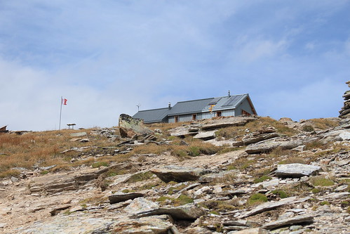 cabane des Becs de Bosson 2985 mètres