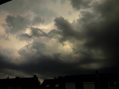 IMG-20170719-WA0014_Fotor (Bernsteindrache7) Tags: summer sky city clouds heaven handy himmel house home düsseldorf street germany outdoor nrw