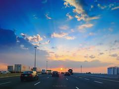 401, Toronto, not driving (Michelle w.h. Xu) Tags: apple iphone 6 401 toronto michellexu sunset