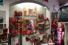 Blois, Vallée de la Loire (jlfaurie) Tags: blois france francia château ville castle city castillo ciudad mechas mpmdf jlfr jlfaurie coquelicot tienda boutique shop amapola poppy