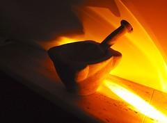 Luz Naranja -V2 (valorphoto.1) Tags: selecciónvp morterodepiedra antiguedad stilllife photodgv