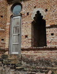 strange shapes from the past (SM Tham) Tags: asia southeastasia malaysia perak batugajah kelliescastle mansion house ruin facade door window steps moorish indosaracenic architecture wall bricks