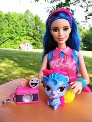 📷say cheese! (flores272) Tags: barbiefashionistas27sweetheartstripes 27 barbiefashionistas sweetheartstripes royalfriendscollection doll dolls toy toys outdoors barbie barbiedoll disney