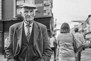 Irland  Street Killarney Mann 1 b&w