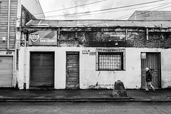 Temuco (Oxkar G) Tags: nikon d5300 exterior city ciudad lente manual blanco street calle negro noir blanc blackwhite monocromo gente 1855 temuco chile