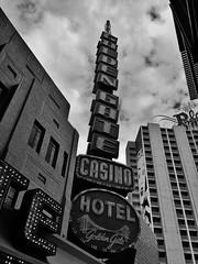 Vegas 8-'17 (76) (#swingen35photog) Tags: swingen35photog lasvegas lasvegasskyline fremontstreet fremontexperience vegas vegasdowntown vegasstreet citystreets citylife urbanstreets nevada streetphotography stevenpwingen