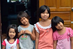 friends and sisters (the foreign photographer - ฝรั่งถ่) Tags: friends sisters girls four wooden door khlong thanon portraits nikon d3200 bangkhen bangkok thailand southeast asia