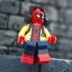 Spider-Man Schools out (jezbags) Tags: lego legos toys toy minifigure minifigures macro macrophotography macrodreams macrolego marvel marvelstudios legomarvel spiderman spidey homecoming roof headphones school wall