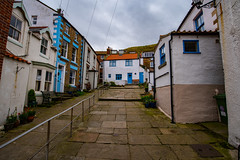 Staithes 180917-2897 (RobinD_UK) Tags: staithes yorkshire coast seaside village nikon d750