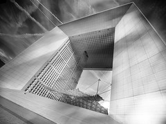 ...réveur... (*ines_maria) Tags: paris grande arche cnit lever de soleil building architecture arch sunrise light gebäude panasonic city cityscape urban urbanart modernarchitecture france mono monochrome blancetnoire lookingup person defensegrande enjoyingsunrise
