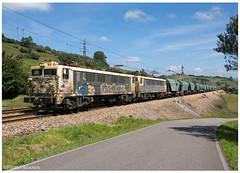 Llanera 11-08-17 (P.Soares) Tags: renfemercancias tren trains train espanha comboio comboios terminalintermodal transportesxxi portugalferroviário lusocarris