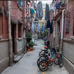 hutong in Beijing (Dan Guimberteau) Tags: china beijing slum street nikon