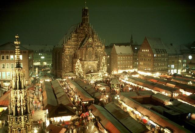 ローテンブルクとニュルンベルクのドイツ2大クリスマスマーケット巡り1日ツアー