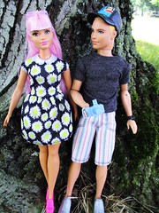 At the Park 🌳💮🌈 (flores272) Tags: barbie fashionistas 48 daisypop barbiedoll barbiefashionistas kendoll ken kenclothing kenshoes outdoors doll dolls toy toys kendollwig blondemoldedhair barbiekendollfirstdate datingfunken
