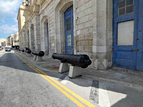 Cannon line up on the waterfront in Birgu