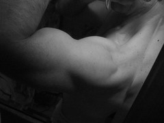 BIG BULGING BICEPS IN BLACK AND WHITE (flex130) Tags: traps delts bicep biceps muscle muscles muscular schredded abs weight weightlifter body bodybuilder bodybuilding huge big massive exercise workout workouts flex flexing chest pecs jacked bizeps lats art bicepart muscleart muscularart guns ripped blackandwhite