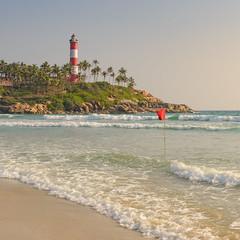 Red Flag (Marcel Weichert) Tags: beach india indianocean kerala kovalan lighthouse lighthousebeach mar ocean sea thiruvananthapuram trivandrum