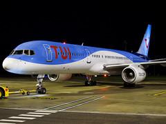 Thomson Airways | Boeing 757-236(WL) | G-OOBG (Bradley's Aviation Photography) Tags: b757 757 boeing nwi egsh norwichairport norwich nightphotos night canon70d tui thomson goobg thomsonairways boeing757 boeing757236wl