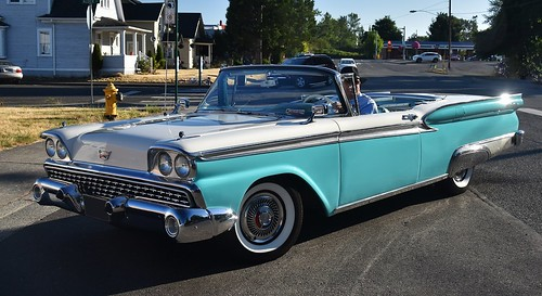 1959 Ford Fairlane 500 Galaxie Skyliner - a photo on Flickriver