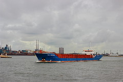 peak amsterdam (Thai Kwan Do) Tags: varen noordzee locks haven noordzeekanaal water amsterdam canal ship boot harbor ijmuiden sluizen views nederland view dutch holland netherlands tanker bulker bulkers vessel cargo boat vehicle outdoor ferry eos sigma waterfront tugboat tug reefer 35mm manualfocus pallasmagenta canon1018 bay river landscape watercourse road northsea sea people