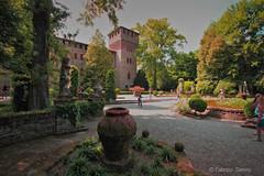 castello di grazzano visconti (sanino fabrizio) Tags: castello monumento storia borgo medioevale paesaggio torre giardino verde allaperto open canon 550d 1020 italia