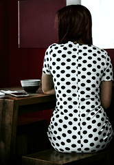 Woman (thewhitewolf72) Tags: hamburg restaurant fremde kleid muster frau