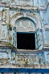 Window, Eliyahu synagogue, Mumbai (Yekkes) Tags: asia india mumbai bombay urban decay synagogue window blue peeling neglect delapidated decorative jewish