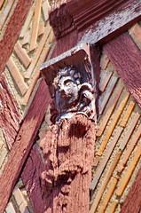 335 juillet 2017 - Saumur, dans la ville (paspog) Tags: saumur bois sculptures sculpture maisonsàcolombages colombages loire valdeloire juillet july 2017 maisons houses halftimberedhouses