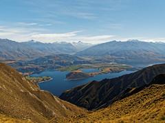 2017.04 - Roys Peak, New Zealand (rambles_pl) Tags: roys peak royspeak new zealand newzealand mountain mountains lake lakes bluesky blue hill hills trekking hiking summer