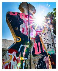 Break Free (GAPHIKER) Tags: fdr franklindroosevelt presidentfranklindroosevelt franklin roosevelt president unitedstates hydepark newyork library museum winnstonchurchill churchill freedomcourt freedom court breakfree sculpture edwinasandys granddaughter berlinwall fourfreedoms lensflare flare dust spots rays berlin wall