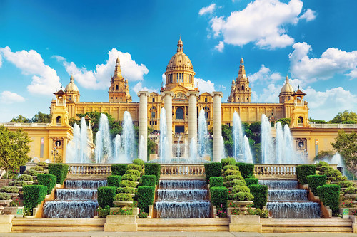 best-fountains-in-europe-national-museum-in-barcelona-placa-de-espanya-spain-copyright-brian-kinney-european-best-destinations