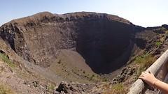 Vesuvio - Italy (sgherrim) Tags: vulcano vesuvio cratere campania napoli roccia caldera eruzione montagna