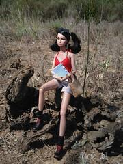 My dolls enjoying nature. (Karine'S HCF (Handmade Clothing & Furniture)) Tags: dolls nature outdoors campo abierto naturaleza muñecas 16 escala scale handknitted top punto hecho mano