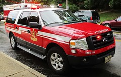 Arlington County Fire Department EMS Supervisor 111 Ford Expedition (NorthernVirginiaPoliceCars) Tags: alexandriafiredepartment arlingtoncountyfiredepartment fairfaxcountyfirerescue afd acfd fcfrd alexandria arlington county fairfax fire rescue department 2 2nd alarm residential building emergency first responders response 911 heroes smoke flame apartment townhouse firefighter ff ffemt ems medical technician outdoors vehicles cars truck suv vans chief service engine public government hose rit rapid intervention ems111 emssupervisor emssupervisor111 station109 nauck fordexpedition ford expedition