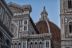 The duomo in Florence (le cabri) Tags: cathedral basilica duomo church duomosantamariadelfiore ancient architecture europe famousplaces florence history italy monument renaissance romance travel tuscany city cityscape idyllic