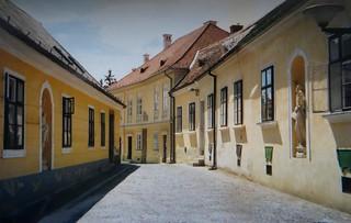 Dans les rues, Kőszeg, comitat de Vas, Hongrie.