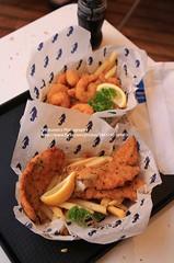 Hobart, Mures Fish Center (blauepics) Tags: australia australien tasmania tasmanien tassie hobart city stadt sullivans cove harbour hafen mures shop restaurant food seafood fish chips fisch essen