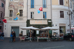 Platz Grand Bistrot in Rom, Italien (marcoverch) Tags: roma lazio italien it street strase city stadt town architecture diearchitektur commerce handel urban städtisch stock people menschen travel reise house haus pavement pflaster tourism tourismus building gebäude noperson keineperson daylight tageslicht tourist shopping einkaufen outdoors drausen road group gruppe platz grand bistrot rom cityscape auto photoshop candid australia india 7dwf halloween newyork usa