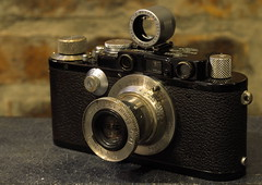 Leica III (Semjaja) Tags: leica leicaiii elmar3550mm elmar 50mm rangefinder leitz camera vintagecamera cameraporn classiccamera screwmount m39 ltm