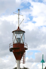 The mast from a lightship at Springeren Maritimt oplevelsescenter, 16. september 2017. Foto: Per Ryolf (perryolf) Tags: fotoperryolf aalborg springerenmaritimtoplevelsescenter ubåd mtb torpedobåd ship ships schiff schiffe skibe skib marinemuseum