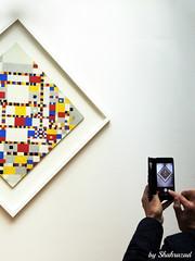 Capturing Mondriaan (Shahrazad26) Tags: mondriaan foto photo bild gemeentemuseum denhaag sgravenhage thehague lahaye thenetherlands nederland holland zuidholland paysbas museum musée destijl