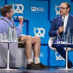 Rolf Schrömgens (Gründer von Trivago) im Interview mit Kevin Spacey thumbnail