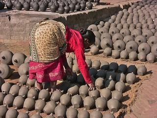 NEPAL , Bhaktapur, Tempel , Pagoden usw. , Töpfermarkt und - handwerk, 16450/8771