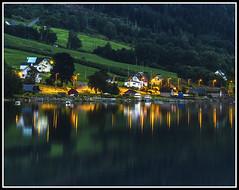 Paseando por Noruega: Innvikfjord (edomingo) Tags: edomingo olympusomdem10 mzuiko14150 noruega innvikfjord fiordos reflejos