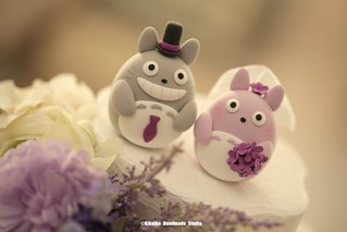 Totoro トトロ bride and groom custom wedding cake topper, characters cake topper ideas