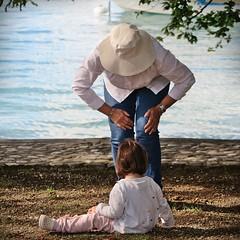 Générations (nathaliedunaigre) Tags: portraits dedos back générations generations love amour respect écoute paix peace paisble peaceful lac lake lacdannecy carré square douceur softness
