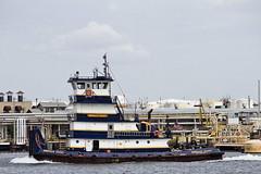 r_170921210_beat0057_a (Mitch Waxman) Tags: killvankull newyorkcity newyorkharbor statenisland tugboat newyork