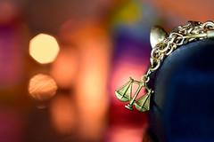 libra (luenreta) Tags: macromondays zodiac macro dije oro gold jewel bracelet horóscopo libra